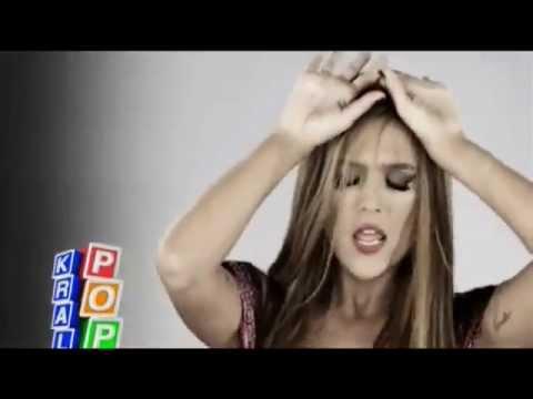 Demet Akalın  Ben de Özledim Video Klip 2012