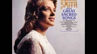 Watch Connie Smith In The Garden video