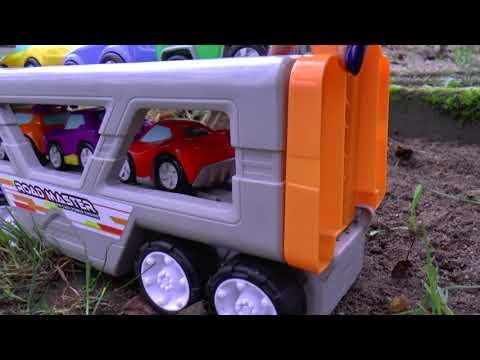 Автовоз мультик для детей Большая машина игрушка помогает маленьким машинкам преодолеть преграду