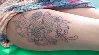 Na grande tatuagem coxa