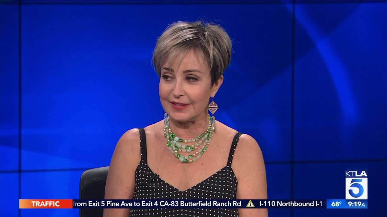 "Annie Potts Confirms ""Ghostbusters"" Rumor - YouTubeAnnie Potts 2013"