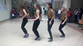 танец 11 класса на Новый Год