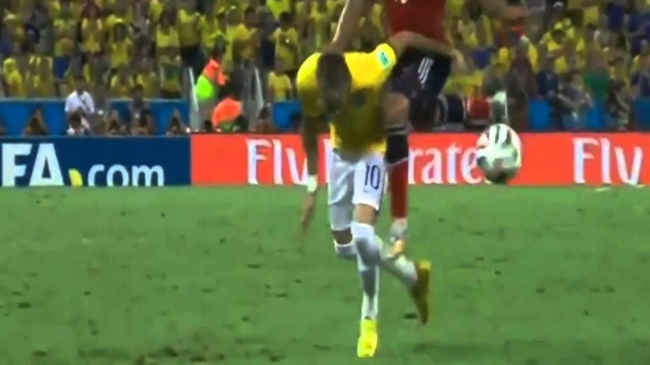 Falta de Juan Zuniga em Neymar Brasil vs Colombia 2014