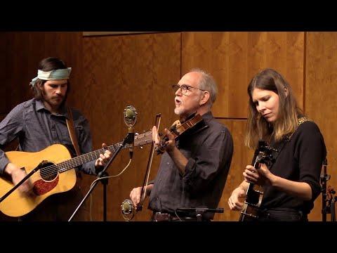 "Musical Monday: Molsky's Mountain Drifters Perform ""The Little Carpenter"""
