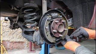 замена задних барабанных колодок на Ford Focus II 1,6 Форд Фокус 2009 года