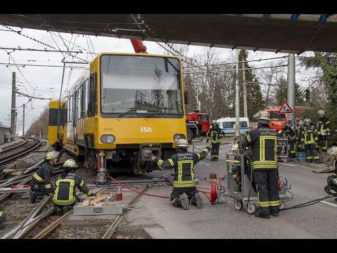 [ZUG ENTGLEIST] - Chaos in Stuttgart - FEUERWEHR & SSB IM EINSATZ