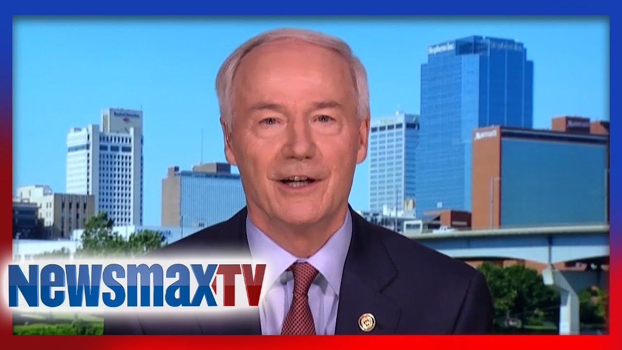 Arkansas Governor applauds Trump, defends reopening