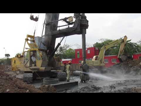 Repair and cleaning of drilling vehicle | Excavator for children | Video for kids | LA Kids