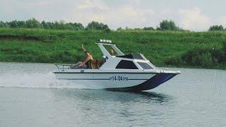 Тюнинг катера С-54. Катер С-54 «люкс», видео.(Изначально катер С-54 был сделан для обслуживания соревнований, поэтому это довольно спартанский вариант..., 2015-01-28T20:37:33.000Z)