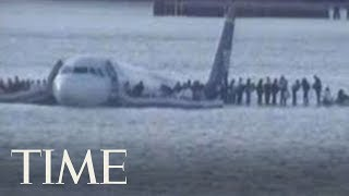 Footage Of The U.S. Airway Plane Landing On Hudson River In 2009 | TIME