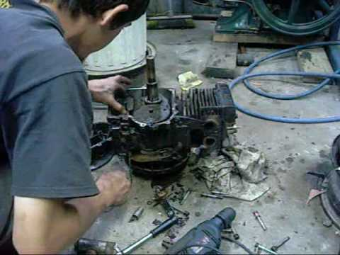 exploded briggs and stratton 12hp vertical shaft engine autopsy rh youtube com