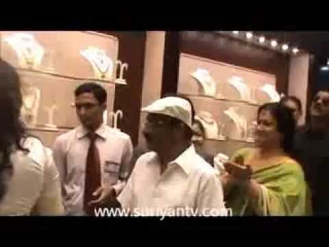 Malabar Gold  Diamonds Opens their 89th showroom in The Foru
