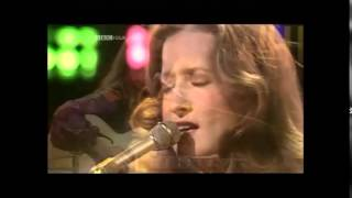 Watch Bonnie Raitt Any Day Woman video