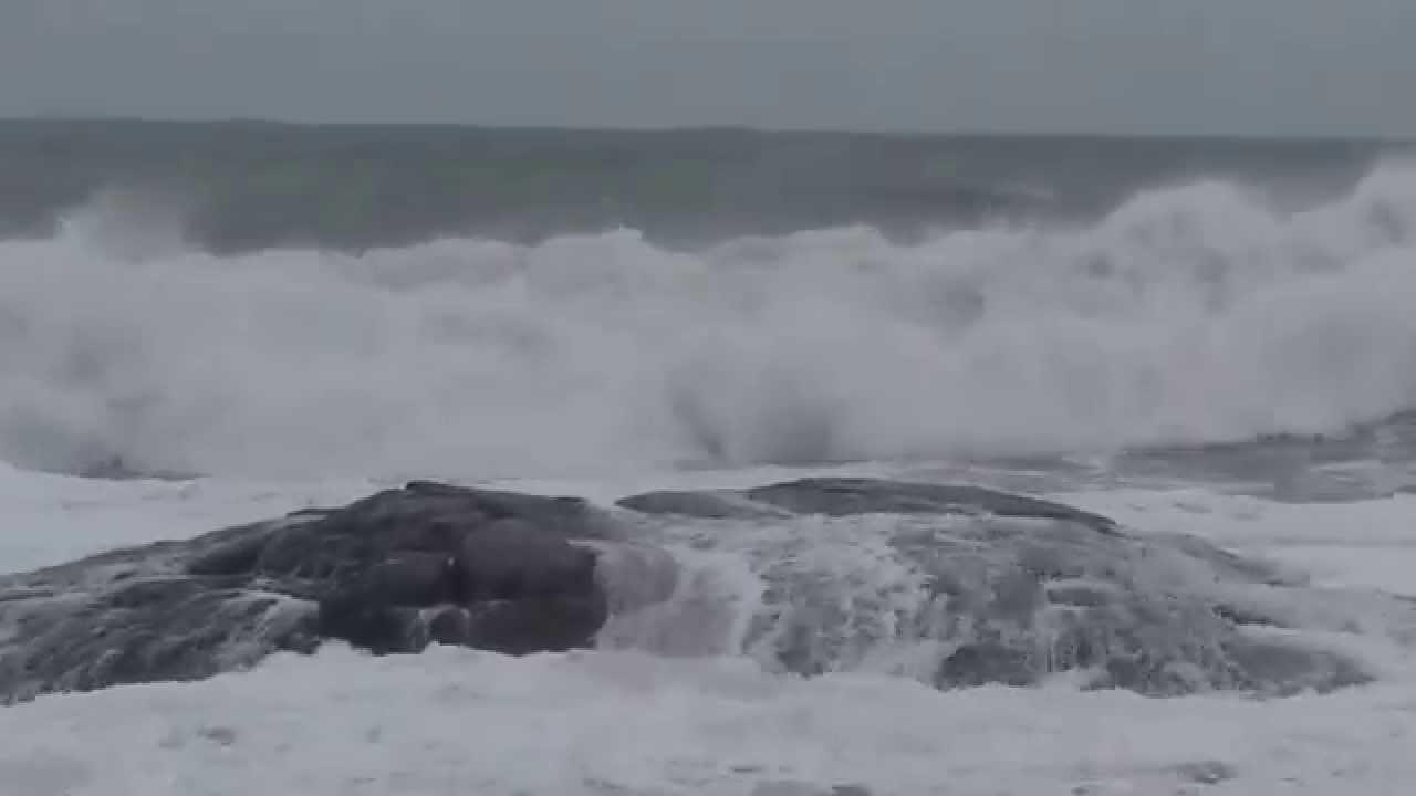 Hampton Beach Waves Today