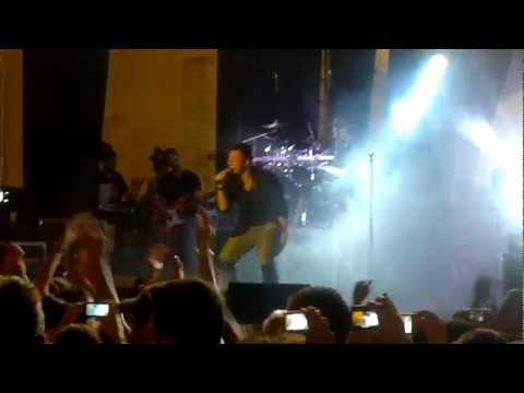 Resta ancora un po' & Libera quest'anima - Antonino - Live - Foggia 15 Agosto 2012