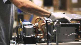 Buderus Logamax U072 - Сделано в России!(Каждые три минуты сборочная линия завода по производству настенных котлов в Энгельсе выпускает один котёл..., 2015-09-08T14:53:15.000Z)