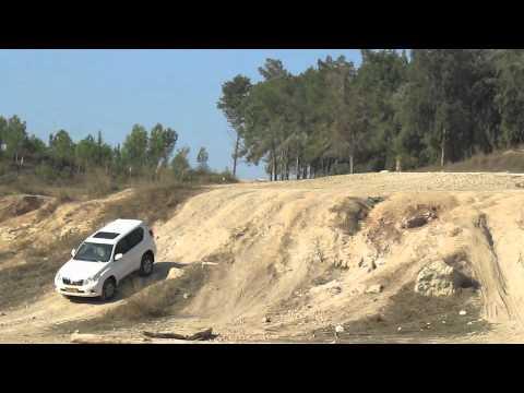 Toyota land-cruiser prado lc155 2010 offroad test