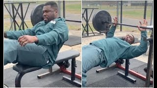 50 Cent Proves He's The Strongest On Prison Yard 30 Rep Jail House Workout