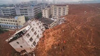 top-5 Massive landslide Caught on Camera thumbnail