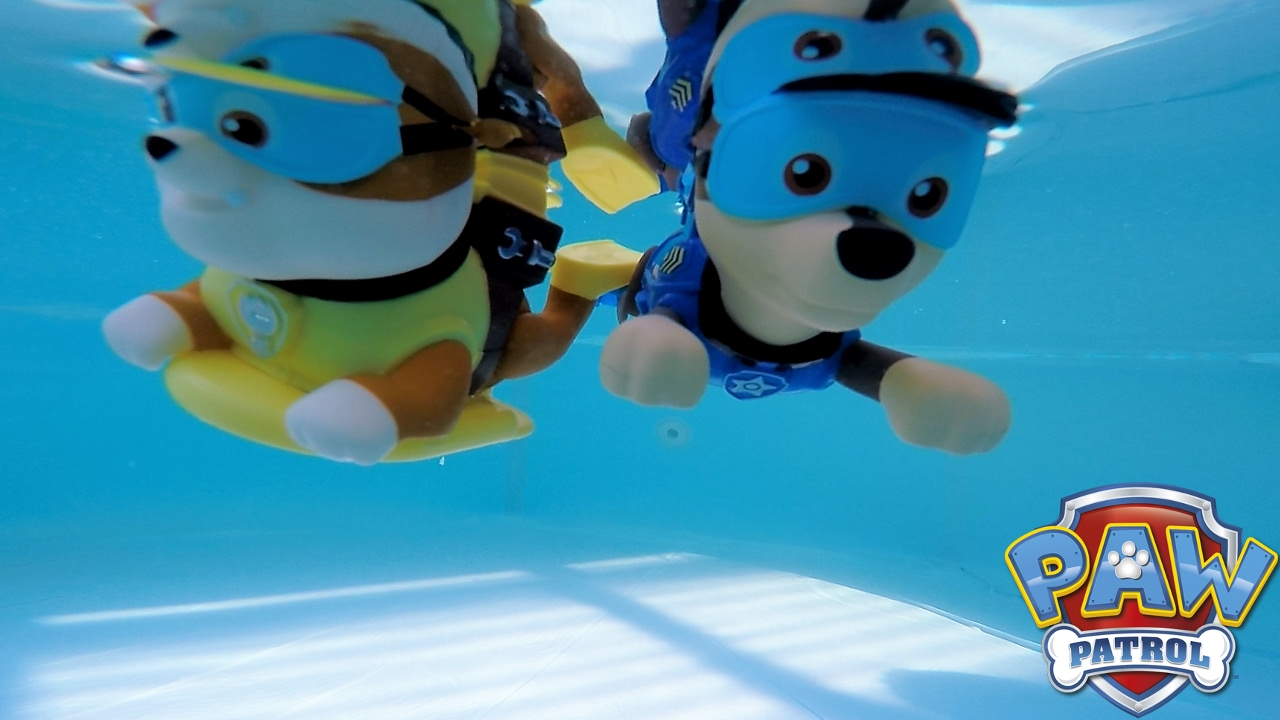 Paw Patrol Bath Paddlin Pup Inflatable Pool Party