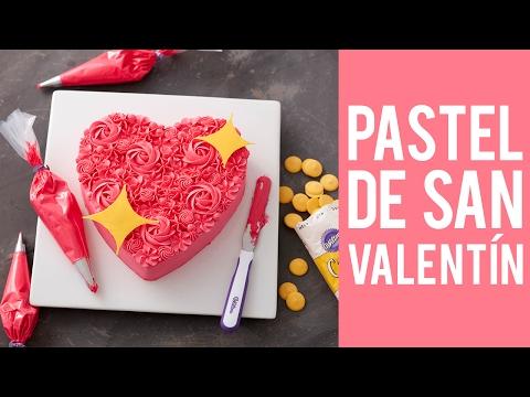 Cómo decorar un pastel con glaseado de mantequilla para San Valentín