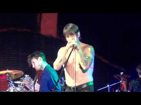 RED HOT CHILI PEPPERS - PARALLEL UNIVERSE - MUSIC MIDTOWN 2013
