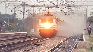 "INDIA's FASTEST TRAIN ""Gatimaan Express"" Hits 160KMPH On Its Inaugural Run !!!"