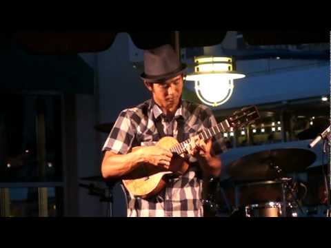 Jake Shimabukuro live music at aloha tower 2011 7/18