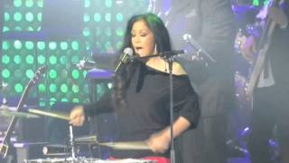 "Sheila E -  ""Glamorous Life""  - With The Ladies Of Soul - Ziggo Dome - Amsterdam - 13-2-2015"