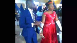 See Nigerian couple rocking the dance floor in wedding