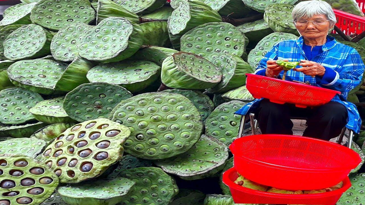 Cụ bà bán hạt sen lề đường lãng tai đáng yêu nhất Sài Gòn – PhuTha vlog