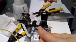 Сварка оптоволокна. Видеоинструкция(Сварка оптоволокна (оптического волокна) с помощью автоматического сварочного аппарата Sumitomo Type 39. Видеоинс..., 2009-06-05T06:52:43.000Z)