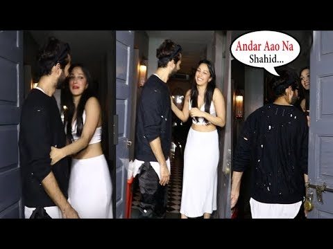 DRUNK Kiara Advani FLIRT!NG With Shahid Kapoor In Front Of Media @ Her Birthday Party