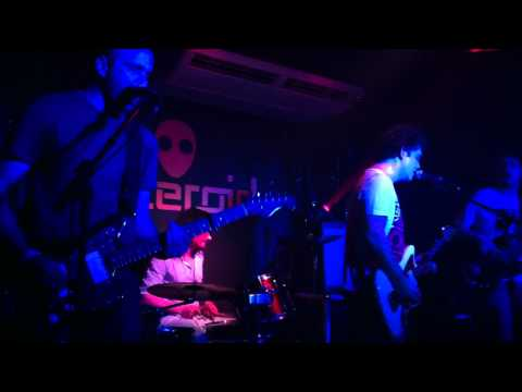 Single Parents - Daydreaming, ao vivo no Asteroid (Sorocaba - SP)