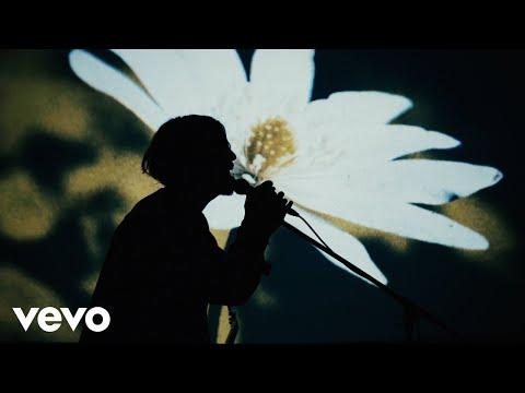 SIX LOUNGE - 「天使のスーツケース」 Music Video