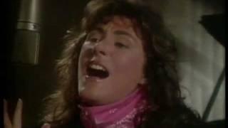 Laura Branigan (clip) - Solitaire