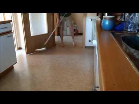 How to clean your kitchen floor