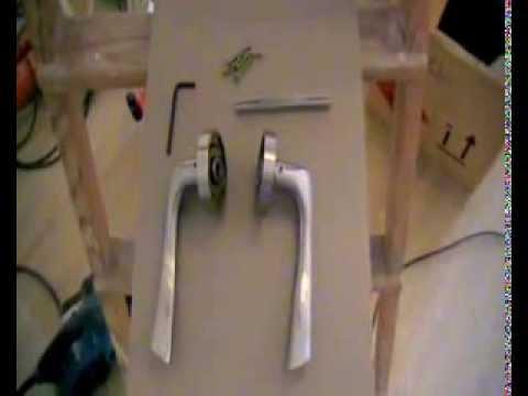 Instalar una manivela de roseta en una puerta youtube - Manillas para puertas de madera ...