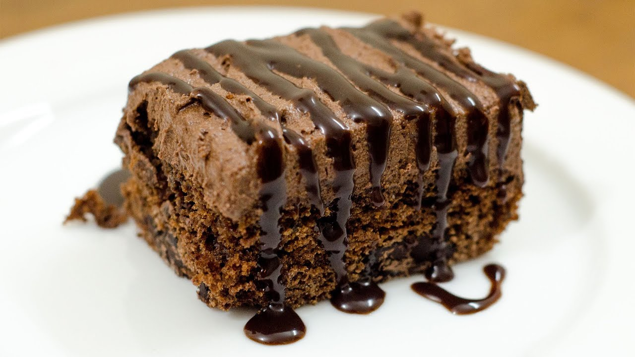 EGGLESS CHOCOLATE CHUNK MOUSSE BROWNIE I WITHOUT OVEN - YouTube