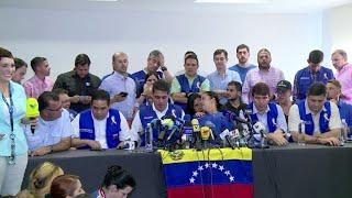 Oposición va a puentes fronterizos y Maduro recibe insumos