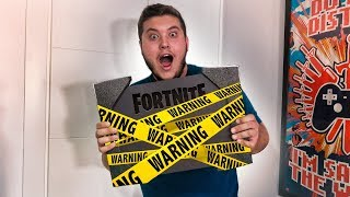They send me a SECRET PACKAGE TO PLAY FORTNITE AND PASS THIS...