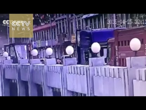 Exclusive CCTV footage: The deadly moment the Nepal quake shook Tibet