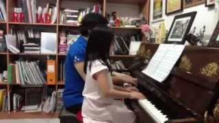 "Tasya plays Bela Bartok ""Rundtanz"" (aus: Fuer Kinder I-II, Nr. 17) for piano four hands"