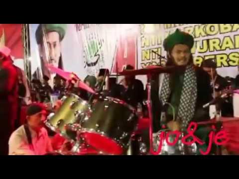 komarun gus ali main drum live alun2 ngawi