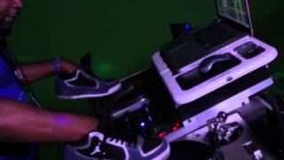 DJ Kid Flash Having Fun In The Mixx