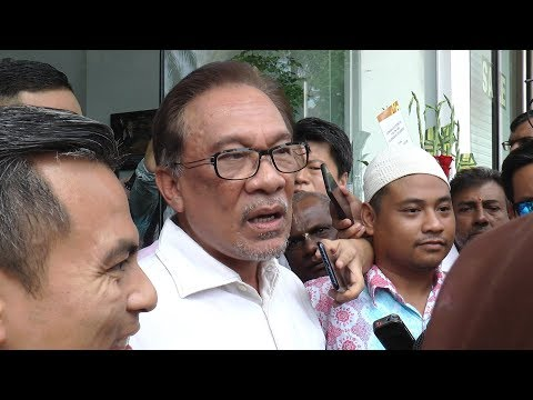 Anwar: Forget Anwar vs Mahathir, I will not be provoked
