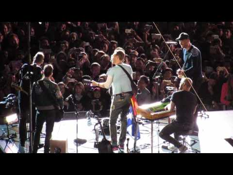 Coldplay - Don't Panic ft. Shane Warne - live in Melbourne 2016 #ColdplayMelbourne