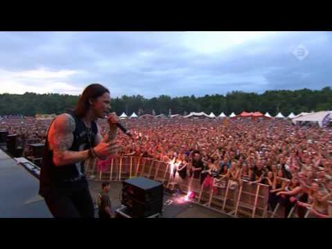Myles Kennedy, the Conspirators and Slash – You could be mine
