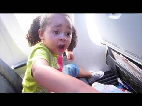 Kids React To First Flight On Airplane - Kids Singing Songs & Dancing | Toys AndMe