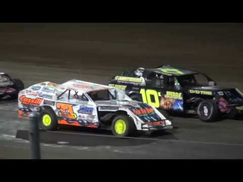 IMCA Modified Championship feature Independence Motor Speedway 8/27/16
